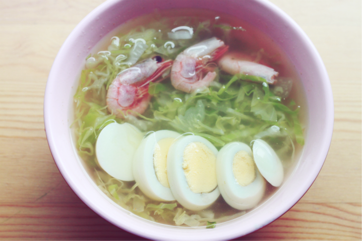 This was my usual cabbage soup with shrimp, but this time I added an egg and cooked it with instant noodle soup powder.