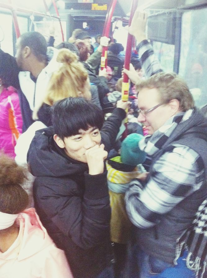 Khoa & Riku. super crowded bus >_< but all 7 of us made it, yay!